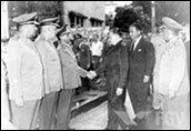 Antônio Carlos Muricy e outros durante visita de Humberto Castelo Branco a Recife (junho 1964).