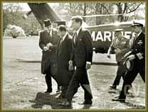 Presidente João Goulart (ao centro) em visita ao presidente americano, John Kennedy (à dir). Em abril de 1962.