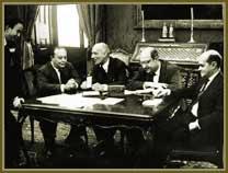 Dir/esq: primeiro-ministro, Tancredo Neves; ministro das Relações Exteriores, San Tiago Dantas e ministro do Planejamento, Ulisses Guimarães. Entre set 1961 e jun 1962.