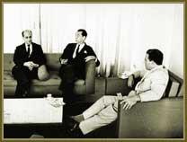 Presidente João Goulart (à dir), Juscelino Kubitschek (ao centro) e o primeiro-ministro, Tancredo Neves (à esq). Em Abril 1962.